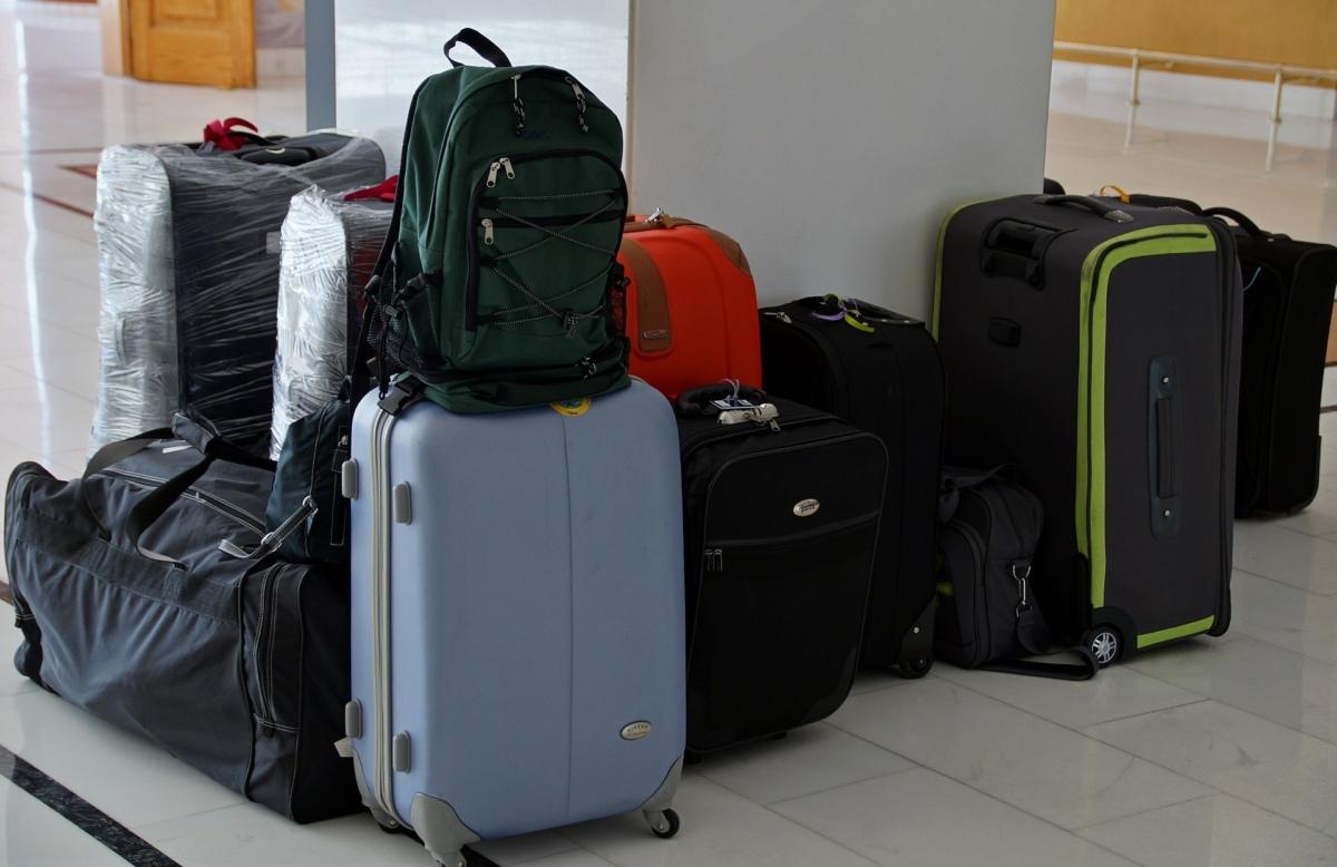 スーツケースとランク