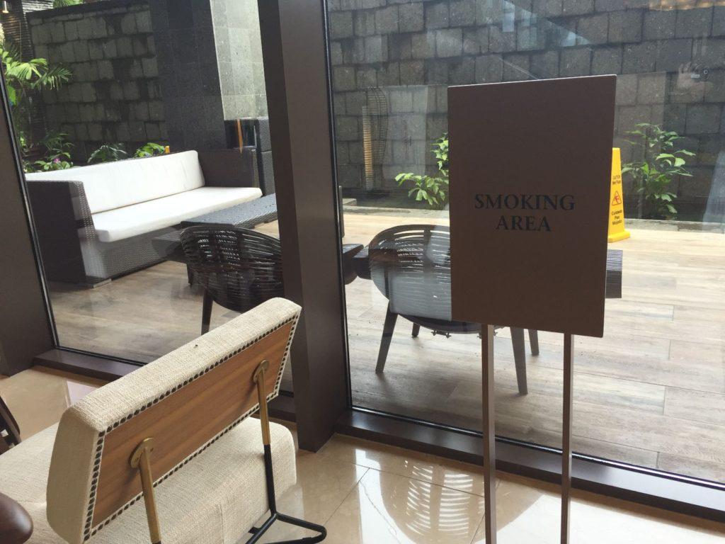 デュシタニホテル喫煙所